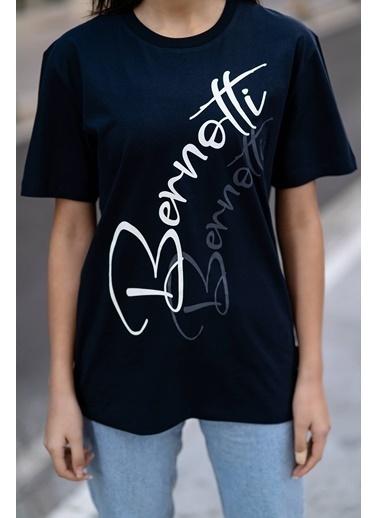 Bernotti 79 Lacivert Baskı Detaylı Sıfır Yaka Kadın T-Shirt Lacivert